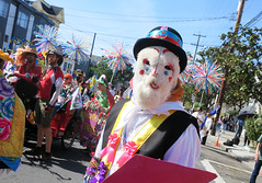 SF Carnaval (shaire productions) Tags: sf carnaval parade streetphotography imagery sanfrancisco people candid costumes sfcarnaval smiling smiles