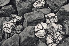 Tied Up (pni) Tags: monochrome stone cord string twine reykjavik is18 iceland ísland pekkanikrus skrubu pni