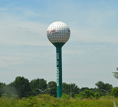 "Giant Golf Ball and Tee (Vinny Gragg) Tags: •template ""roadsideattraction"" ""roadsideattractions"" ""roadsidestatue"" ""roadsidegiants"" ""roadsidestatues"" ""roadsideoddities"" statues statue ""roadsideart"" giants sign signs watertower golfball tee rendlakeillinois rendlake illinois giantgolfball"