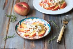 Insalata con pesche e feta (Giovanna-la cuoca eclettica) Tags: insalate frutta fruttasecca formaggio stilllife food healthy healthyfood veg