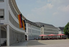 flagging (mgheiss) Tags: karlsruhe zirkel schlosplatz sony rx100 beflaggung flagging sommer summer architektur
