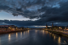 City lights of Inverness, Scotland (Zaphod Beeblebrox 1970) Tags: schottland night fluss travelphotography hour blauestunde scottisch longexposure blue scotland bluehour travel nacht inverness river uk ness vereinigteskönigreich gb