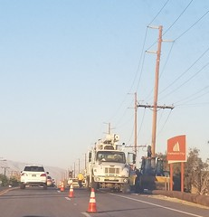 June 17, 2018 (1) (gaymay) Tags: california desert gay love palmsprings riversidecounty coachellavalley sonorandesert applebees restaurant cathedralcity roadwork construction workers