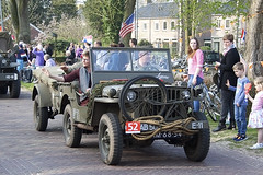 AM-68-54_10apr15Bork (Heron81) Tags: westerbork bevrijding liberation libertytour2015 keepmrolling sidecode1 am6854 lynne willys mb jeep willysmb willysjeep mbjeep trailer vouwfiets foldingbicycle