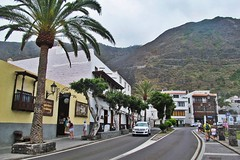 street in the town :) (green_lover (I wait for your COMMENTS!)) Tags: street road garachico tenerife canaryislands spain town buildings houses palms trees vanishingpoint