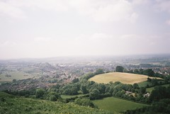 Chalice Hill, from Glastonbury Tor (knautia) Tags: chalicehill glastonburytor glastonbury bankholidaymonday somerset england uk may 2018 film ishootfilm olympus xa2 fuji superia 400iso olympusxa2 nxa2roll21 bankholiday nationaltrust