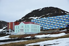 Barentsburg, Spitsbergen, Svalbard (Chickenhawk72) Tags: coal mining town managed russian company arktikugol barentsburg spitsbergen svalbard russia norway arctic snow trip tourist cloud