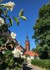 Klosterhof (Fotofabrik Itzehoe) Tags: itzehoe kreissteinburg steinburg schleswigholstein holstein klosterhof stlaurentii kirche church park