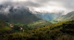Luz en la niebla (mariusbucsa) Tags: paisaje naturaleza primavera verde niebla panorámica mañana ríojalón nikkor nikkor35mm18g nikon nikond5600 huermeda calatayud aragón es españa