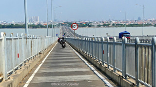 Towards Surabaya on Suramadu bridge