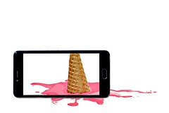augmented reality (brescia, italy) (bloodybee) Tags: augmentedreality cell cellphone phone telephone smartphone screen picture icecream cone food melt pink stilllife humor fun