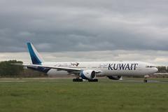 9K-AOF Boeing 777-369ER Kuwait Airlines (corkspotter / Paul Daly) Tags: 9kaof boeing 777369er b77w 62564 1468 l2j eqbh 706059 kac ku kuwait airways 2017 20170202 snn einn shannon