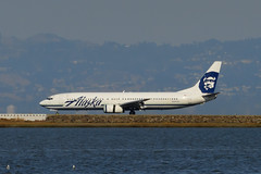 N303AS - Boeing 737-990 - Alaska Airlines (Boris Samoylenko) Tags: planespotting spotting sfo ksfo nikond5200 nikon d5200 airplane aircraft jet plane runway n303as alaskaairlines boeing 737990 b737 b739 boeing737 landing