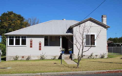13 Molesworth Street, Tenterfield NSW