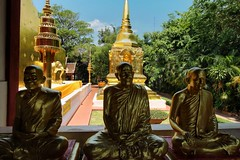 Goldie's (leewoods106) Tags: gold golden chiangmai thailand northernthailand temple buddhist