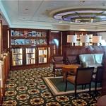 Queen Mary 2 - Bibliothek thumbnail