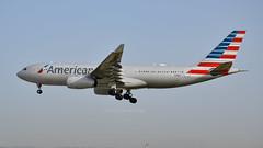 Airbus A330-200 I N288AY I American Airlines (Gustavo H. Braga) Tags: american aviation airplanes airport aviação aviacao aviao aeronaves aeroporto airbus airbusa330 a330 barcelona spotter spotting spain americanairlines