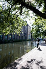 2017 - Open Square Garden - Saturday - 07 - Regents Canal -7218 (Out To The Streets) Tags: 2017 20170617 europe june2017 london opengardensquares opengardensquares2017 opengardensquares2017sunday regentscanal uk unitedkingdom cnal ducks