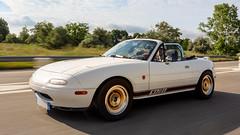 Mazda MX5 (Jerome Goudal) Tags: nikon d7200 marumi sigma 1835 1835mm f18 1835mmf18dchsm|a sigma1835mmf18dchsmart ロードスター mazda roadster miata mx5 longlivetheroadster drivingmatters topmiata mx5i queenofroadsters mx5international wwwmx5internationalcom ssrtomcat flakegold