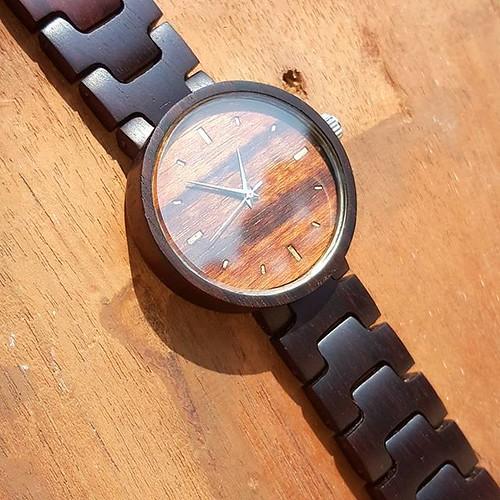 Jam tangan kayu seri June 08, 2018 at 08:36PM