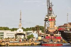 r_180608202_beat0048_a (Mitch Waxman) Tags: brooklyn brooklynnavyyard eastrivershoreline newyorkcity newyorkharbor tugboat newyork