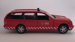 Hongwell - Mercedes Benz 300T - Falck - Fire Service Vehicle - Miniature Diecast Metal Scale Model Emergency Services Vehicle (firehouse.ie) Tags: bomberos bombeiros brandweer brigade hongwell feuerwehr feuerwehrwagen feuerwehrauto fire cars car falck miniature miniatures model models metal mercedesbenz mercedes