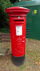 Edward VII cypher B ttpe post pillar box Spur Hill Avenue Poole 07.09.2017 (2) (The Cwmbran Creature.) Tags: g p o gpo general post office street furniture red heritage letter great britain gb