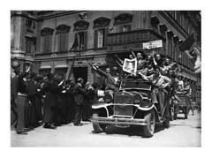 Liberazione di Roma - 5 giugno 1944 (dindolina) Tags: photo fotografia blackandwhite bw biancoenero monochrome monocromo history storia liberazione liberation ww2 wwii secondaguerramondiale secondworldwar 1944 1940s forties anniquaranta