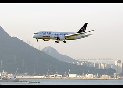 B787-8 | Air India | Star Alliance | VT-ANU | HKG (Christian Junker | Photography) Tags: nikon nikkor d800 d800e dslr 70200mm aero plane aircraft boeing 7878 787800 787 788 b788 airindia ai aic ai315 aic315 airindia315 vtanu staralliance heavy widebody dreamliner specialscheme specialcolour speciallivery arrival landing 25r strobe fog haze airline airport aviation planespotting 36292 273 36292273 hongkonginternationalairport cheklapkok vhhh hkg clk hkia hongkong sar china asia lantau terminal2 t2 skydeck christianjunker flickraward flickrtravelaward zensational hongkongphotos worldtrekker superflickers
