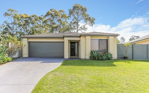 28 Nicolena Crescent, Rutherford NSW