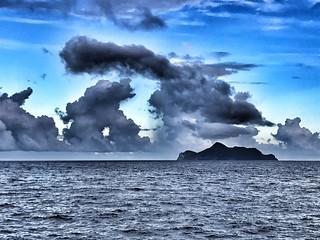 雲罩龜島 ( 龜山島 )