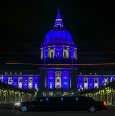 warriors win game 3 of the nba finals 110 to 102 (pbo31) Tags: bayarea california nikon d810 color june 2018 boury pbo31 evening sanfrancisco city urban night dark black blue panoramic large stitched panorama civiccenter plaza cityhall warriors playoffs nba basketball sport goldenstate finals game 3 limo illuminated support championship limousine