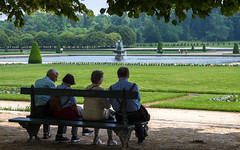 ♥ CAHCC ♥, Fontainebleau, 20180609 (G · RTM) Tags: châteaudefontainebleau suspenders cahcc bench elderly folks people park gardens