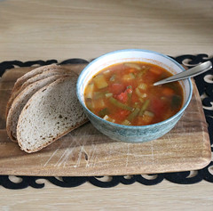 2018 Sydney: Home-made Minestrone Soup (dominotic) Tags: 2018 food soup bread homemademinestronesoup speltsourdoughbread circle sydney australia