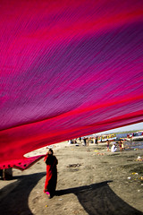 Pattern (Harshal Orawala) Tags: pattern lights red india saree sea sunrise colors