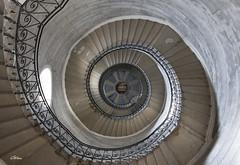 Escalier de La Basilique de Fourvière (giloudim) Tags: basilique lyon fourvière intérieur iso canon7dmarkii architecture
