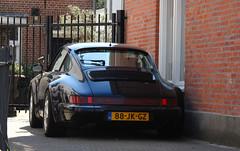 1993 Porsche 911 Carrera 4 Coupé (964) (rvandermaar) Tags: 1993 porsche 911 carrera 4 coupé 964 porsche964 porsche911 sidecode6 88jkgz