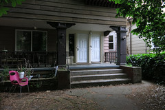 Full Duplex (Blinking Charlie) Tags: 13thavenue capitolhill seattle washingtonstate usa 2016 blinkingcharlie porch duplex canonpowershots110