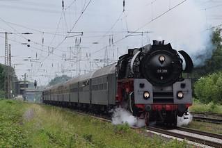 01 519 mit Sonderzug bei Lintorf