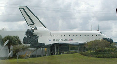 Space shuttle (D70) Tags: space shuttle independence formerly known explorer is fullscale highfidelity replica it was built by guardlee apopka florida installed kennedy center visitor complex 1993 moved houston 2012 olympus c2100uz ƒ63 116mm 1500 100
