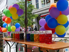 Rainbow Color Brew (hansntareen) Tags: bostonprideparade2018 brew mug stein beer balloon