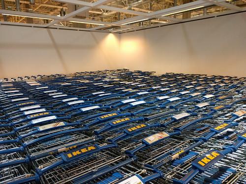 Тележки в IKEA ©  ayampolsky