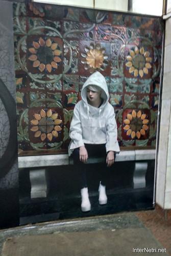Онука в метро. Київ. Ukraine InterNetri 295