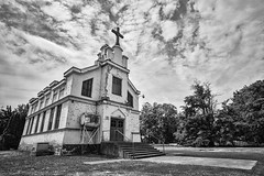 Saint Peter's Catholic Church (PNW-Photography) Tags: church echo oregon echooregon catholic saintpeters abandoned old dusty urbex explored found rural blackandwhite bw classic historic history rokinon rokinon12mm sonya6000 sony a6000