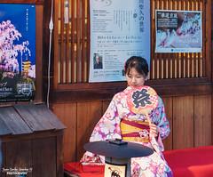 KIMONO (Juan C. Sánchez Photography) Tags: japanese japan japón japon april happy gion kyoto kimono city ciudad portrait portraiture portraits retrato retratos retratosquehablan sony sonya6500 sonyalpha a6500 prefecture woman modeling models modelo