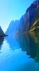 #A91 Lake Minnewanka (briolette001) Tags: lakeminnewanka glacierlake banff banffnationalpark alberta albertacanada canada canadarockymountains canadianrockymountain mountains