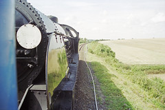 S15 506, Mid-Hants Railway, 31 Aug 2000 (Ian D Nolan) Tags: railway mhr station 35mm epsonperfectionv750scanner s15 460z 506 lswr