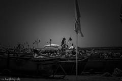 Skhirat plage (smkazi1) Tags: océan skhirat maroc pêcheurs bw noir et blanc bateau