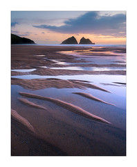 Sundowners (Dave Fieldhouse Photography) Tags: holywell holywellbay sunset afterglow evening dusk clouds sky sundown cornwall cornwalllife cornish beach seascape sand coastal northcornishcoast reflections sandpatterns water sea lowtide spring springtime cartersrocks rocks island fuji fujifilm fujixt2 portrait light sillouettes