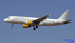 EC-KDH LMML 05-06-2018 (Burmarrad (Mark) Camenzuli Thank you for the 12.2) Tags: airline vueling airlines aircraft airbus a320214 registration eckdh cn 3083 lmml 05062018
